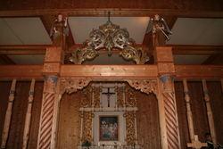 Inne i Garmo kyrkje, koret