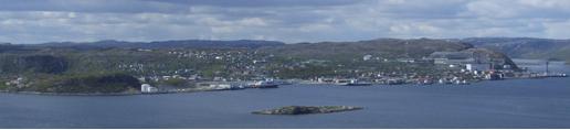 Havnefasade fra Lyngberget i juni