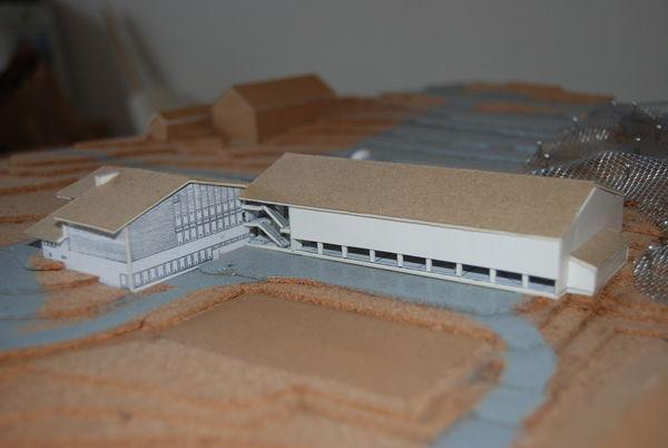 Modell av fleirbrukshall sett frå Grov