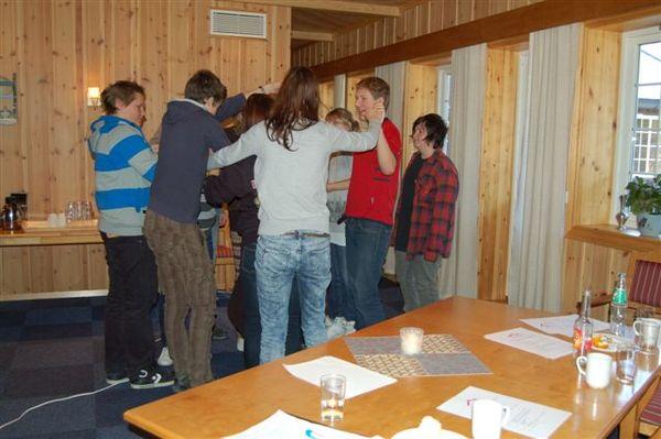 Konkretisering av løysing gjennom samarbeid. Til høgre ser vi Ole Eggen frå Lom ungdomsråd.