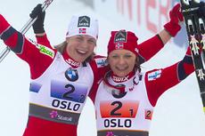 Astrid Uhrenholdt Jacobsen og Maiken Caspersen Falla etter bronse i team-sprint under VM i Oslo 2011. I dag går Maiken i par med Ingvild Flugstad Østberg. Foto: Laiho/NordicFocus.