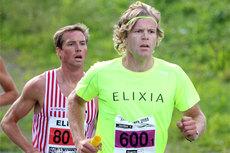 Magnus Svingheim drar opp farten på Ringeriksmaratons åpningsetappe. Foto: Geir Nilsen/Langrenn.com.
