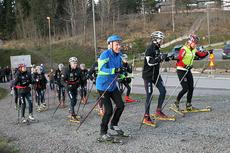 Oddvar Brå i blå jakke i Holmenkollen høsten 2011. Foto: Erik Borg.