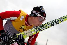 Ola Vigen Hattestad takker skiene etter å ha vunnet sprinten i Düsseldorf 2011. Foto: Hemmersbach/NordicFocus.