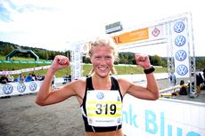 Marthe Katrine Myhre etter seier i en tidligere utgave av Birkebeinertrippelen. Foto: Geir Nilsen/Langrenn.com.