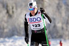 Sjur Røthe har ved flere anledninger denne vinteren gått som en virvelvind i verdenscupen. Lørdag skal han kjempe om topplassering i VM. Her er han i den nasjonale sesongåpningens 15 km klassisk i Beitosprinten 2012. Foto: Geir Nilsen/Langrenn.com.
