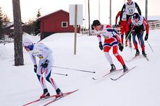 Øystein Pølsa Pettersen i rødt, hvit og blått på vei mot seier i NM-testen på Gåsbu en drøy uke før mesterskapet. Arrangørfoto.