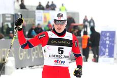 Bjørn Vidar Suhr jubler etter å ha sikret seg sprint-bronsen i junior-VM i Liberec 2013. Foto: Erik Borg.