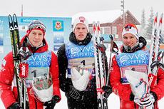 Petter Eliasen, Ole-Marius Bach og Didrik Tønseth innkasserte i 2013, som i 2012, NM-gullet i stafett på Gåsbu. Foto: Rasmus Kongsøre/Langrenn.com.