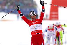 Marit Bjørgen jubler over gull i klassisk sprint under VM i Val di Fiemme 2013. Foto: Laiho/NordicFocus