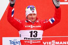Petter Northug jr. jubler over å tatt VM-sølv på sprinten under første dag av VM i Val di Fiemme 2013. Foto: Laiho/NordicFocus.