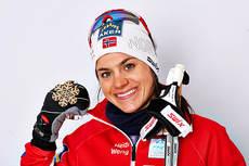 Heidi Weng åpner stafetten for Norge. Her er hun med sin bronsemedalje etter 15 km skiathlon under VM i Val di Fiemme 2013. Foto: Felgenhauer/NordicFocus.
