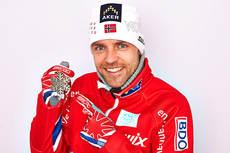 Tord Asle Gjerdalen med sin bronsemedalje etter 15 km fristil under VM i Val di Fiemme 2013. Foto: Felgenhauer/NordicFocus.