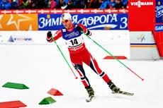 Martin Johnsrud Sundby på vei mot sølv under 30 km skiathlon under VM i Val di Fiemme 2013. Foto: Felgenhauer/NordicFocus.