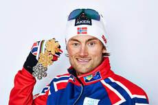 Petter Northug med medaljefangsten i forkant av den avsluttende 5-mila under VM i Val di Fiemme 2013. Foto: Felgenhauer/NordicFocus.
