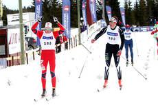 Martin Thon strekker armene i været etter å ha avgjort sprintfinalen i 18-årsklasse under NM på Budor 2013. Foto: Erik Borg.