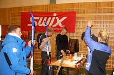 Swix sin smøre-service tilstedet på et av de mange turrennene. Foto: Geir Nilsen/Langrenn.com.