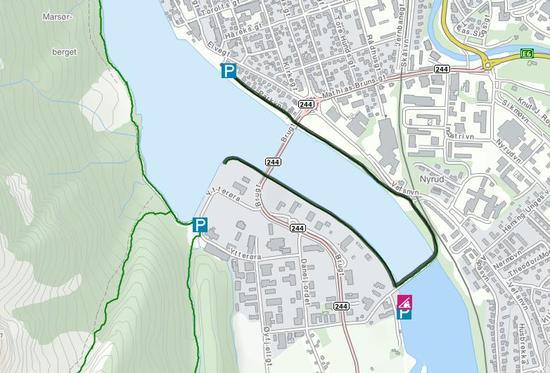 Markert er deler av Strandpromenaden i Mosjøen