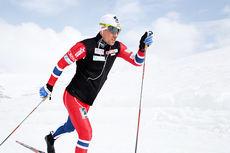Eldar Rønning har lagt ned betydelige mengder trening så langt i år. Her i aksjon utenfor Sognefjellshytta på landslagets samling i juni 2013. Foto: Erik Borg.