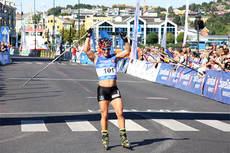 Marit Bjørgen var helt alene på oppløpet og vant Toppidrettsveka 2013 med overbevisende margin. Foto: Geir Nilsen/Langrenn.com.