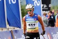 Barbro Kvåle i Toppidrettsveka 2013 sitt åpningsrenn i Knyken Skisenter. Foto: Geir Nilsen/Langrenn.com.