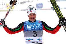 Ola Vigen Hattestad er strålende fornøyd etter å ha blitt norsk mester i sprint 2014 på Lillehammer, selv om han i løpet måtte se seg slått av britiske Andrew Musgrave. Foto: Geir Nilsen/Langrenn.com.
