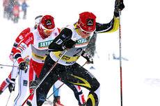 Maiken Caspersen Falla kjemper på i NM-sprintens semifinale under mesterskapet på Lillehammer 2014. Da dagen var omme hadde hun sikret seg nok et NM-gull. Foto: Geir Nilsen/Langrenn.com. Foto: Geir Nilsen/Langrenn.com.