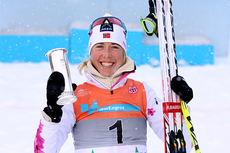 Kristin Størmer Steira sikret seg ikke bare NM-gullet, men også den gjeve Kongepokalen gikk hennes vei etter den overlegne seieren på 15 kilometer skiathlon under NM på Lillehammer 2014. Foto: Geir Nilsen/Langrenn.com.