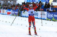 Lotta Udnes Weng jubler over sølv på sprinten i junior-VM i Val di Fiemme 2014. Foto: Erik Borg.