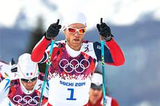 Med startnummer 1 gikk Martin Johnsrud Sundby inn til en sterk 3. plass og bronsemedalje på 30 km skiathlon i Sotsji-OL 2014. Sindre Wiig Nordby forteller hva som kjennetegner hans stil. Foto: NordicFocus.