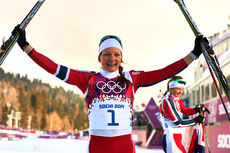 Maiken Caspersen Falla tok et suverent OL-gull på sprinten i Sotsji 2014. Foto: NordicFoucs.