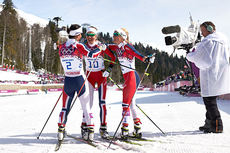 Topptrioen på 3-mila i Sotsji-OL 2014. Fra venstre: Marit Bjørgen (1. plass), Kristin Størmer Steira (3) og Threse Johaug (2). Foto: NordicFocus.