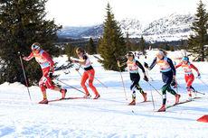 Marthe Kristoffersen fra IL Varden fører an i første semifinale under lagsprinten i NM del 2 på Gålå 2014. Foto: Erik Borg.