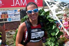 Heidi Weng gikk til topps på norgescupløpet Hovlandsnuten Opp, som også hadde NM-status i år. Foto: Per Inge Fjellheim.