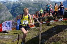 Øyvind Heiberg Sundby stormer her i mål til seier i Kvasshovden Opp 2014. Lørdag toppet han i Grefsenkollen Opp. Arrangørfoto.