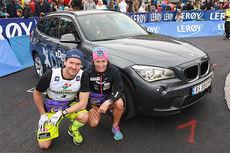 Øystein Pettersen og Marit Bjørgen vant Norgescupen på rulleski 2014, og mottok fri bruk av hver sin BMW X1 i ett år som premie. Foto: Svein Halvor Moe.