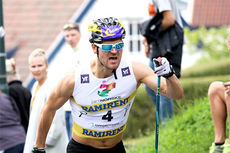 Øystein Pettersen på vei mot 3. plass i Toppidrettsveka 2014 og totalseier i norgescupen, her på toppen av den lange og stupbratte bakken på Bakklandet i sentrum av Trondheim. Foto: Geir Nilsen/Langrenn.com.