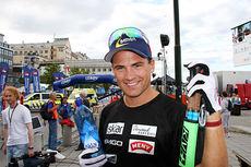 Niklas Dyrhaug var fornøyd med å vise god langløpsform i Olaf Skoglunds Minneløp lørdag. Her avbildet etter sitt gode renn i Kristiansund som ga 3. plass under åpningsrennet av Toppidrettsveka 2014. Foto: Geir Nilsen/Langrenn.com.