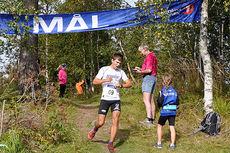 Geir Steig i mål som vinner av Lundehøgda Opp 2014. Foto: Siri M. Robstad.