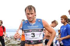 Petter Northug på toppen av motbakkeløpet Fonna Opp under Toppidrettsveka 2014 tidligere i sommer. Det løpet vant han ikke, men i Ranheim til Topps i dag ble det seier. Foto: Geir Nilsen/Langrenn.com.