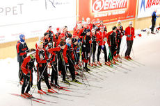 Team Grenland Ski og Team Nordre Vestfold på samling i Torsbys skitunnel. Foto: Tore Ulleland.