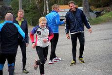 Inger Bonden er på full fart oppover i langrenns-Norge, her i trening på Spiraltoppen sammen med en munter gjeng fra Trysilhus. Foto: Privat.