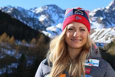 Martine Ek Hagen på samling med resten av skilandslaget i Val Senales høsten 2014. Foto: Birk Eirik Fjeld.