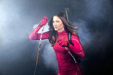 Darya Domracheva i forbindelse med signering av 4-årskontrakt med stavprodusenten Exel. Foto Exel.