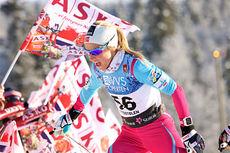 Therese Johaug på vei opp danskebakken under Beitosprintens 10 km fristil 2014. I mål ble det en 2. plass. Foto: Geir Nilsen/Langrenn.com.