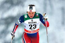 Maiken Caspersen Falla ute på sprintprologen under verdenscupen i Kuusamo 2014. Foto: Felgenhauer/NordicFocus.