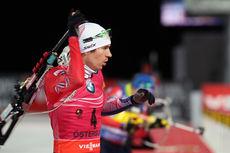 Emil Hegle Svendsen skjøt feilfritt og vant normaldistansen under verdenscupen i Östersund for to helger siden. Fredag ble det tredjeplass i Pokljuka. Foto: Manzoni/NordicFocus.