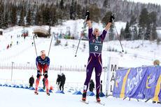 Silje Øyre Slind vinner her 20 km fellesstart i klassisk stil foran Silje Theodorsen under Skandinavisk Cup på Lillehammer. De to innehar også de to øverste plassene på sammenlagtlista etter første runde. Foto: Erik Borg.