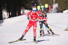 Johannes Thingnes Bø på vei mot det som ble en åttendeplass på jaktstarten under verdenscupen i Pokljuka 2014. Foto: Manzoni/NordicFocus.