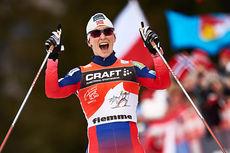 Marit Bjørgen inn til seier sammenlagt i Tour de Ski 2015. Foto: Felgenhauer/NordicFocus.